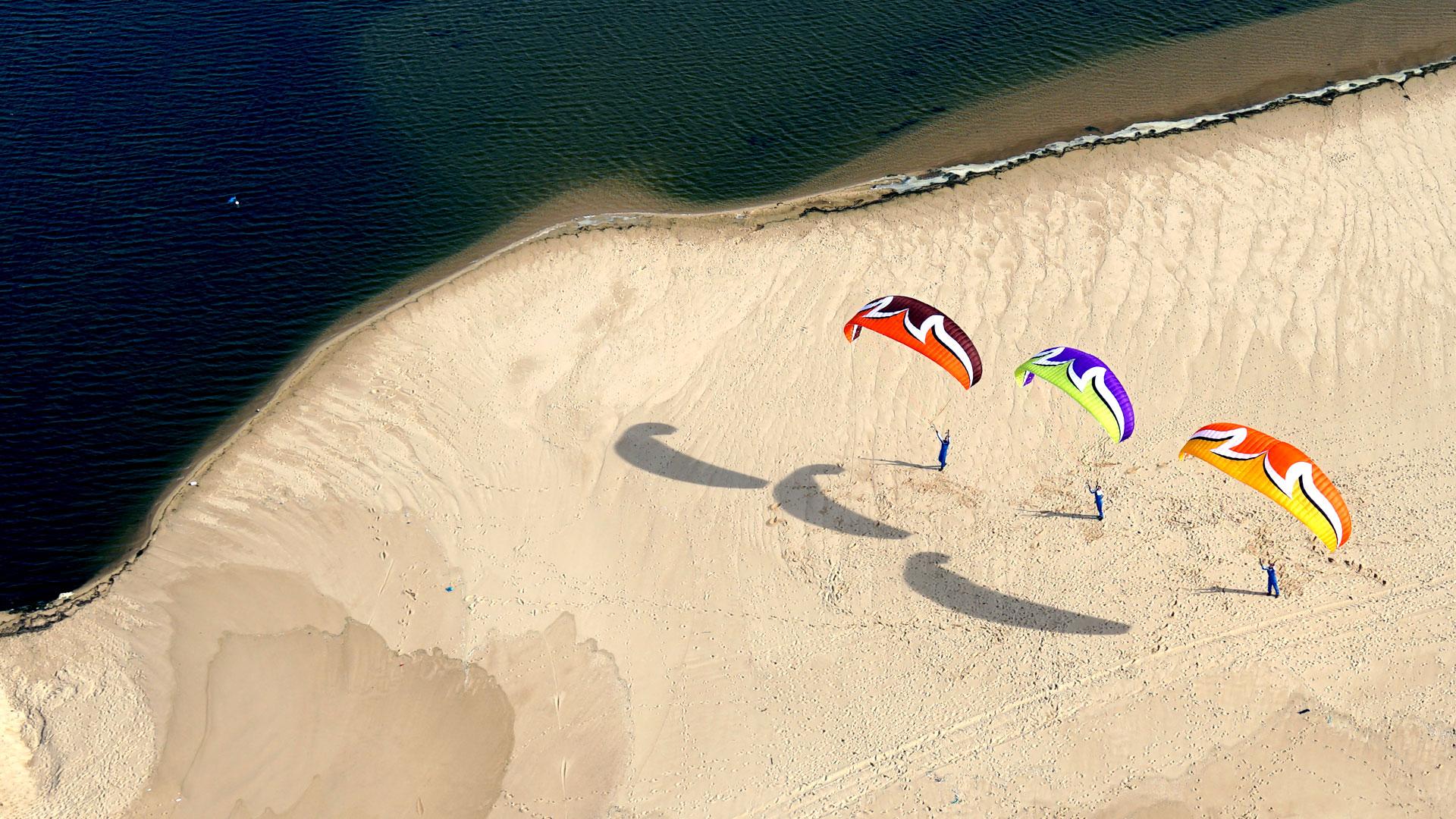 fond d'écran en paramoteur ulm plage au sud de lisbonne sous le soleil
